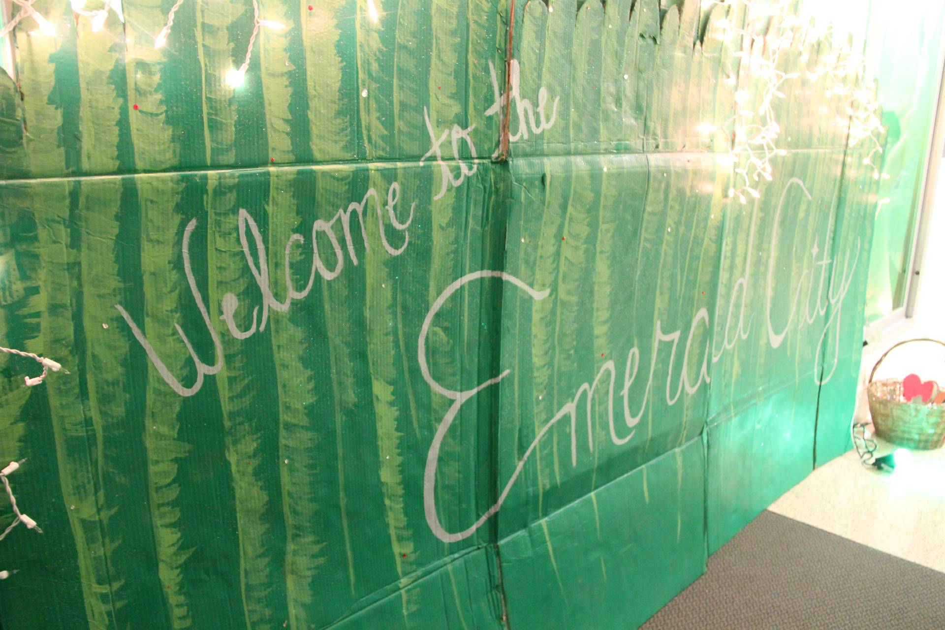 sign that reads welcome to the emerald city