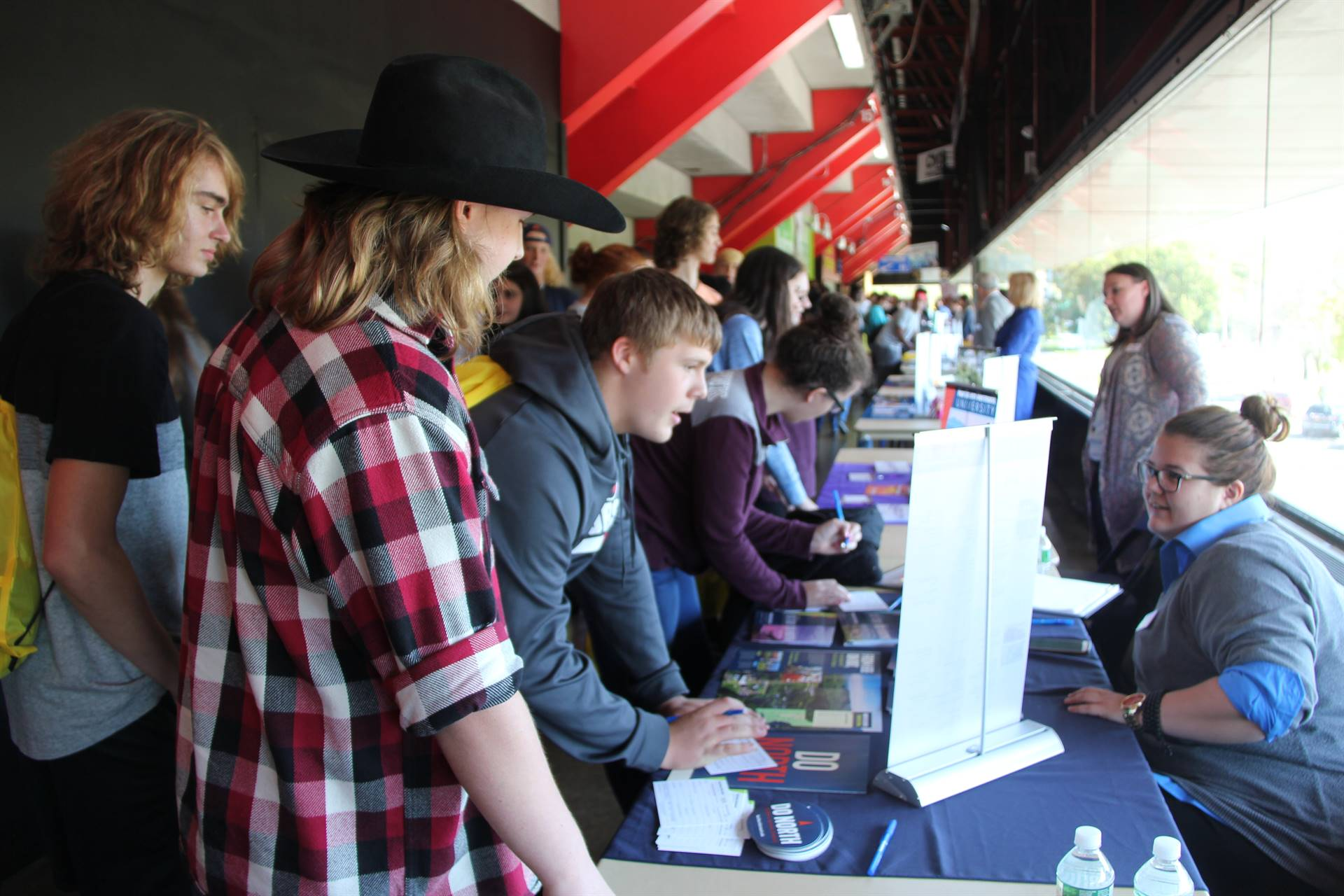 chenango valley high school students talk to college reps