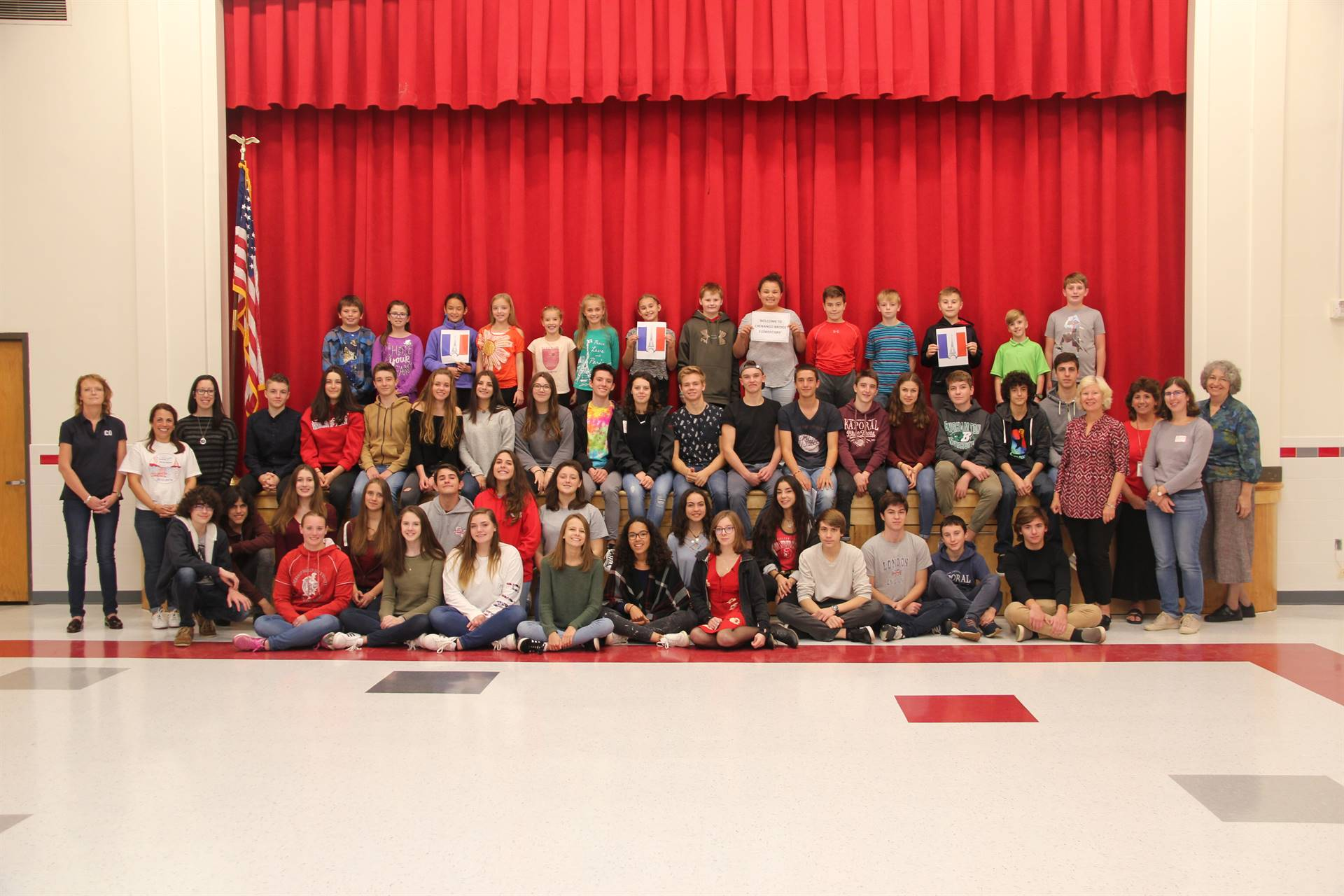 group shot of chenango bridge elementary students and french exchange students and teachers