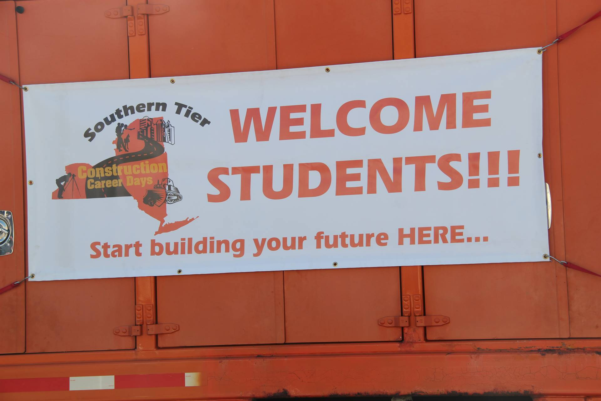 sign that reads southern tier construction career days welcome students start building your futures