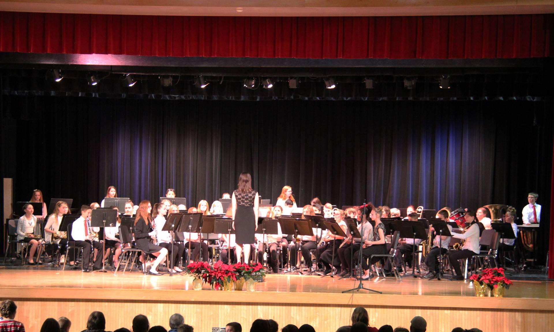 sixth grade band performing