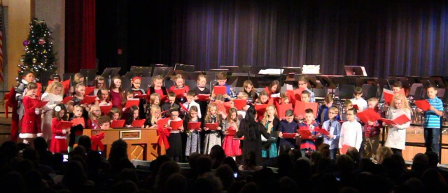 fourth grade chorus singing