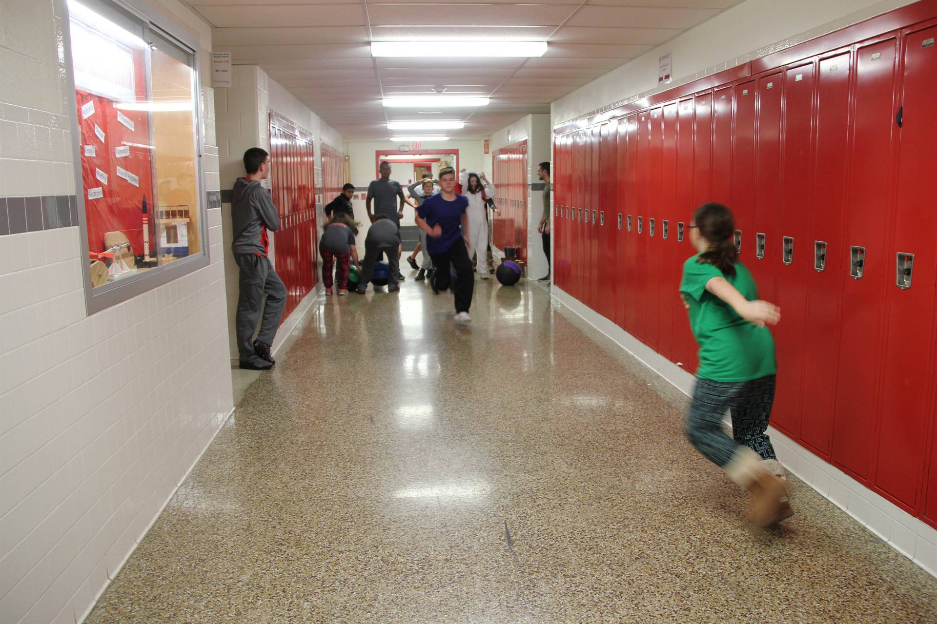 students running for cross fit challenge