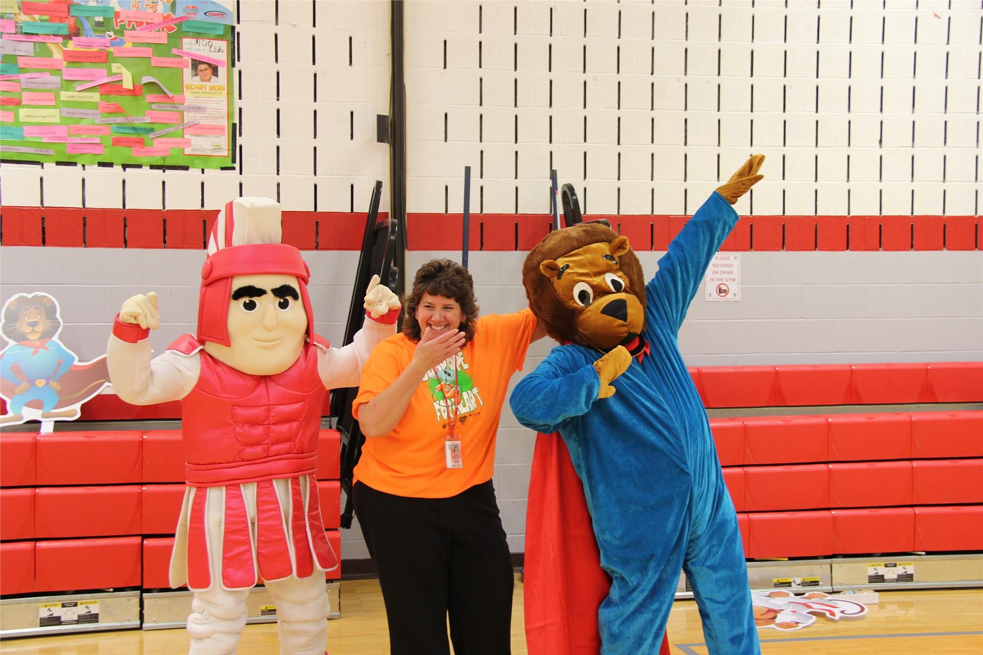 principal hammond with bear and warrior mascot 1