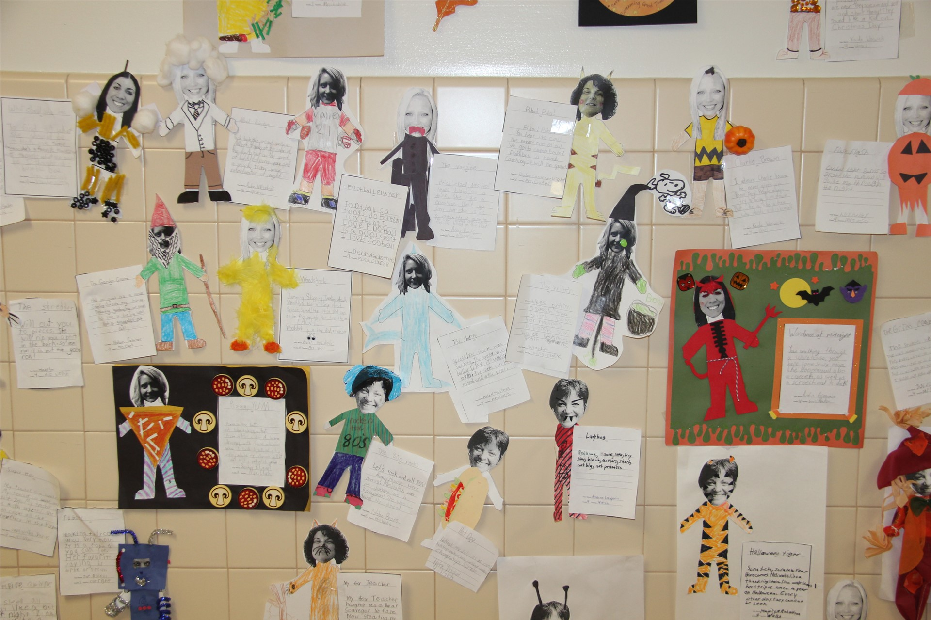 Halloween Art Pictures on Wall 11