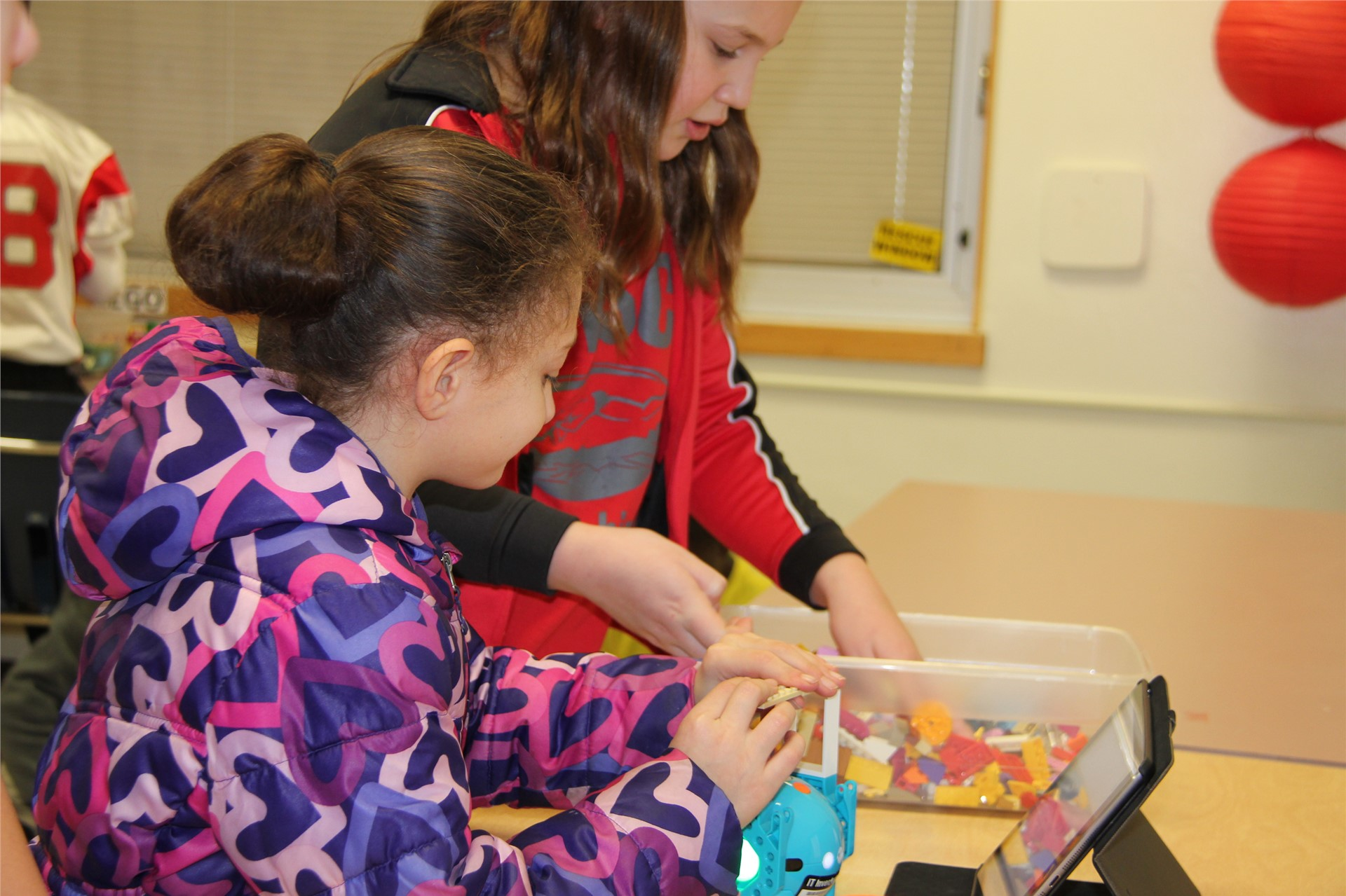 students work with STEAM equipment