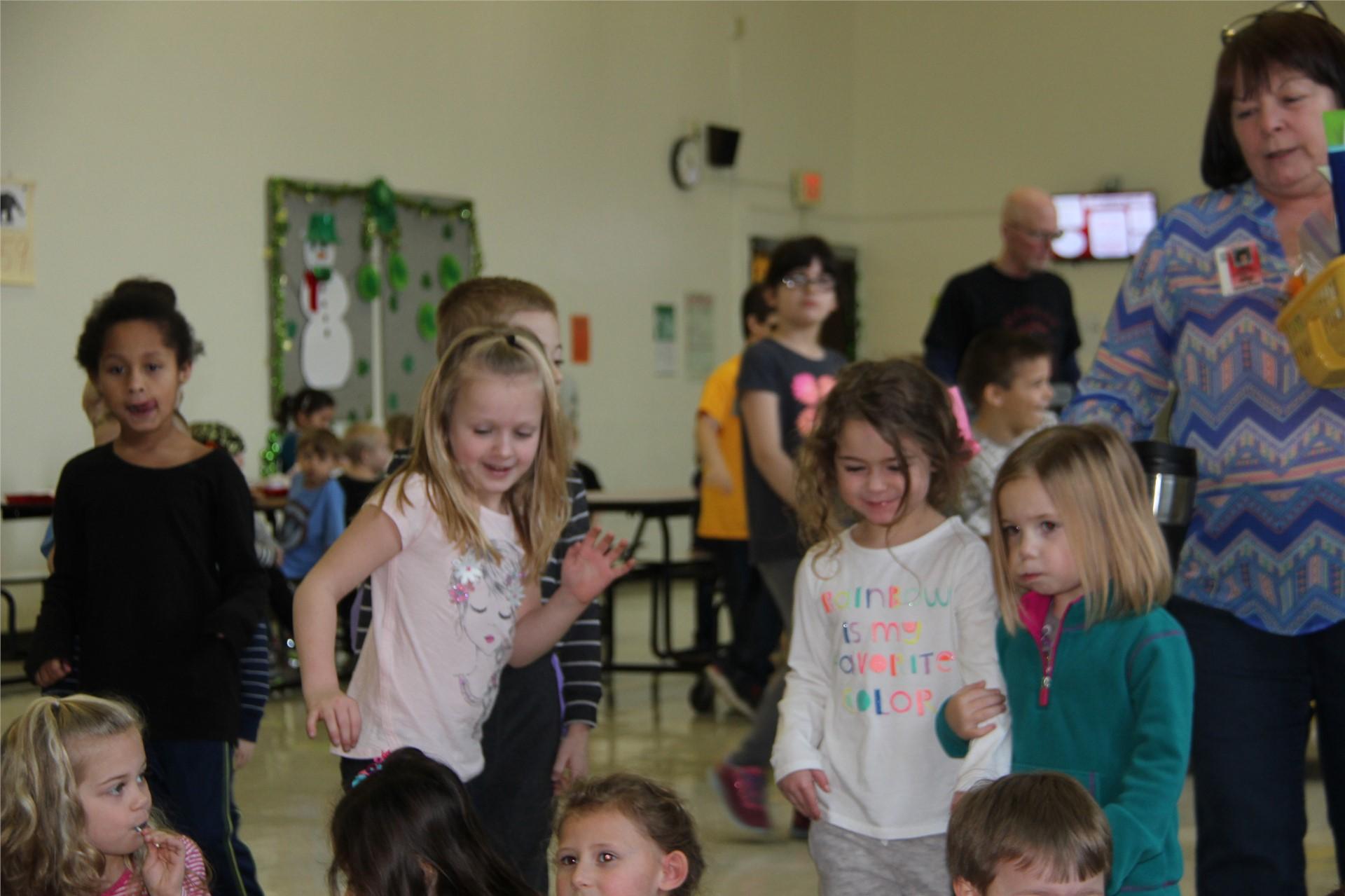 more students dancing