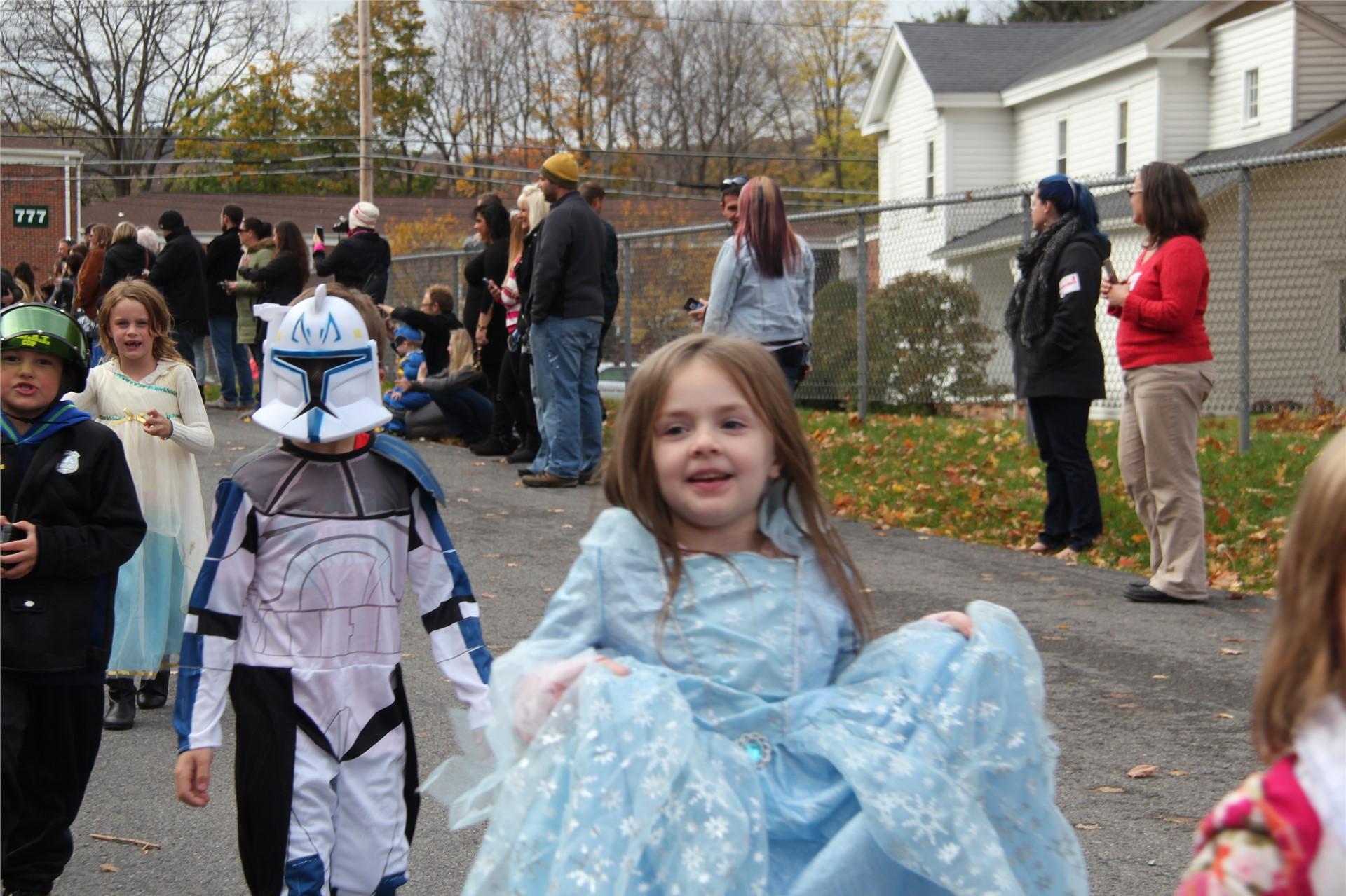 Port Dickinson Elementary Halloween Parade 90