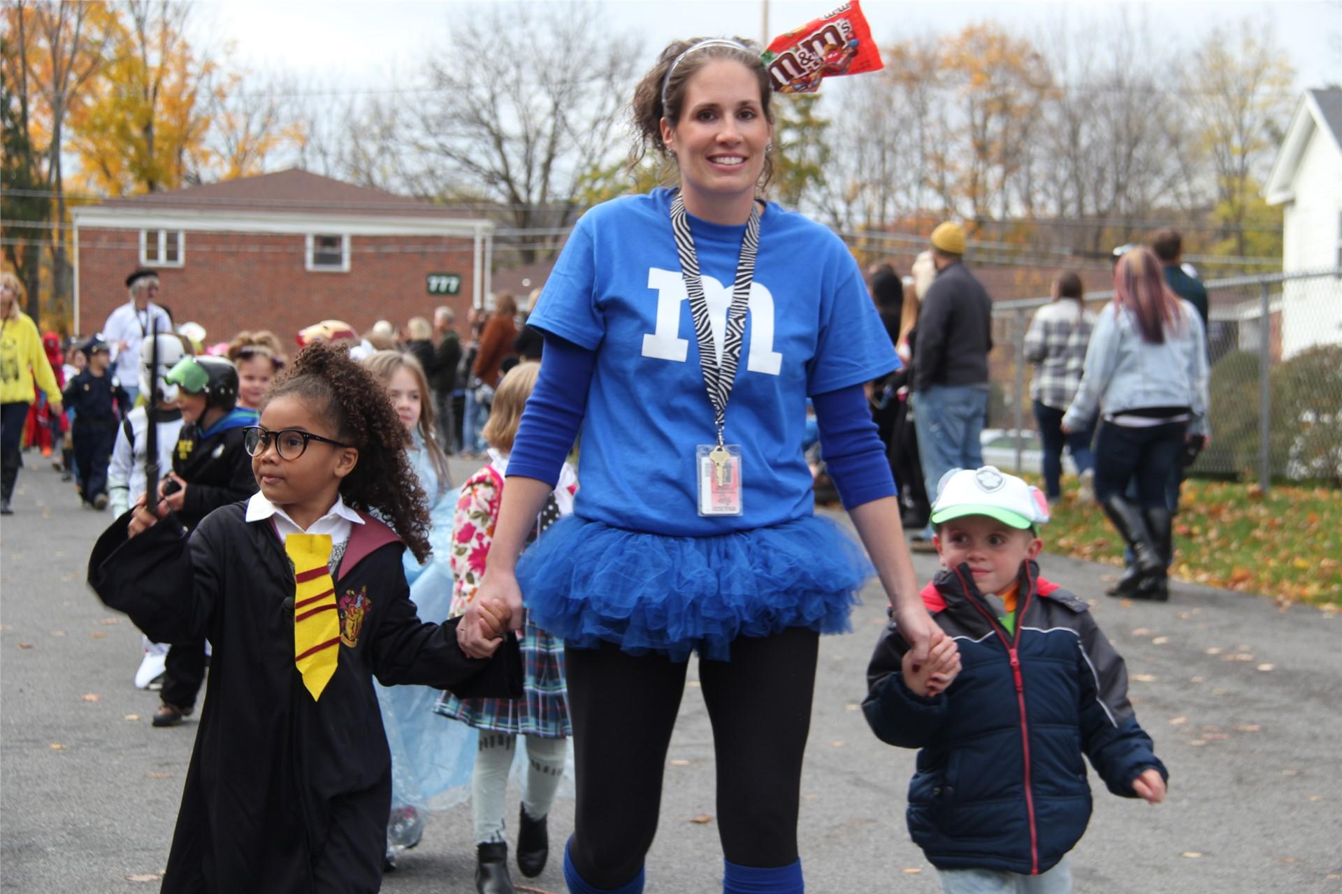 Port Dickinson Elementary Halloween Parade 89