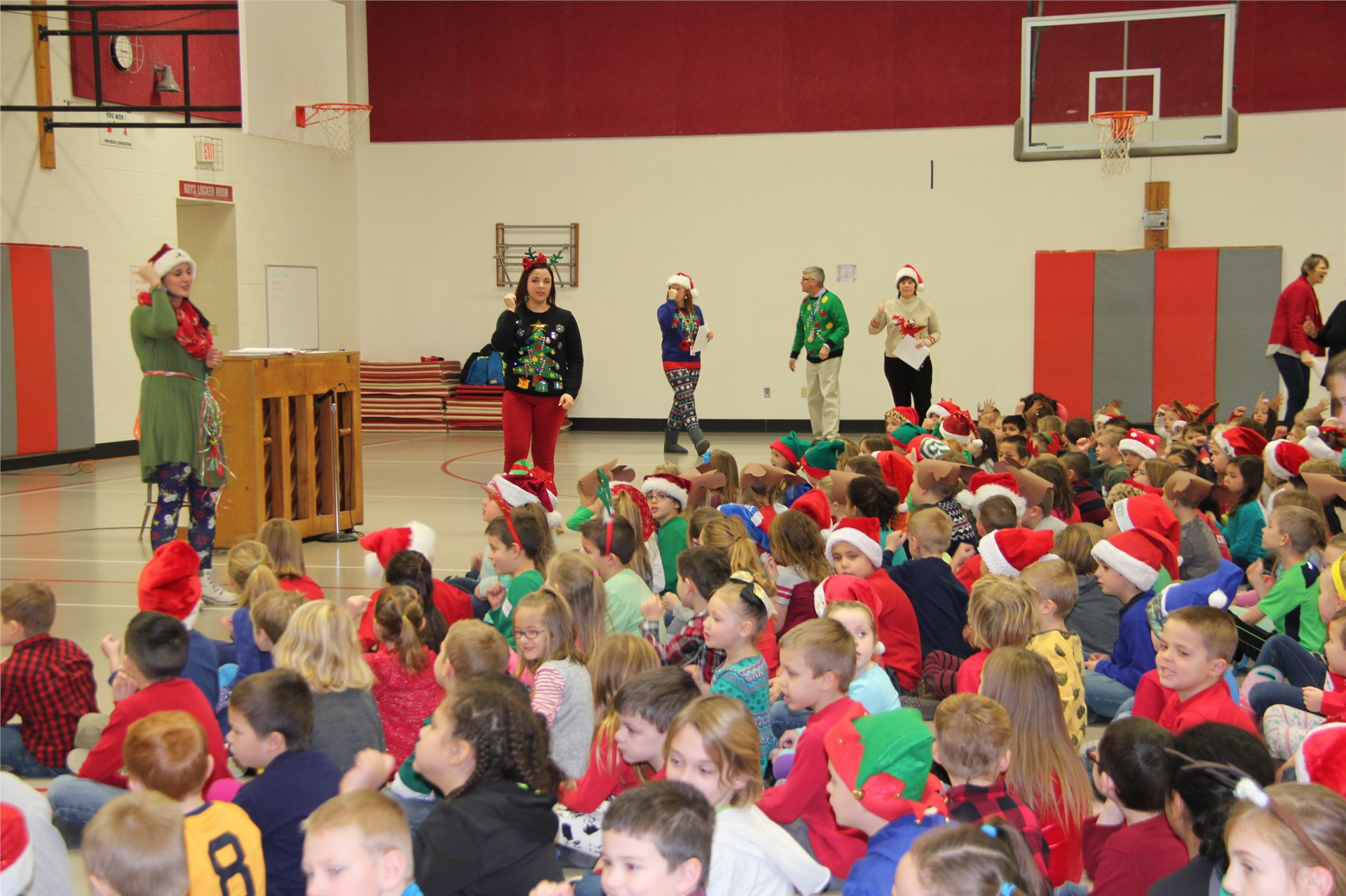 Holiday Sing Along 17