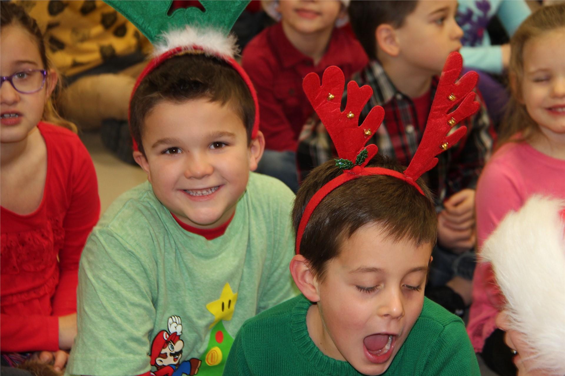 Holiday Sing Along 15