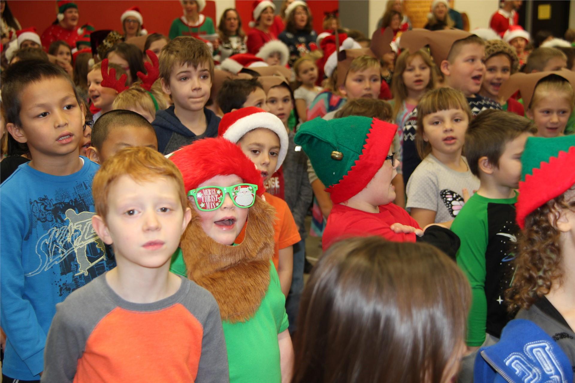 Holiday Sing Along 86