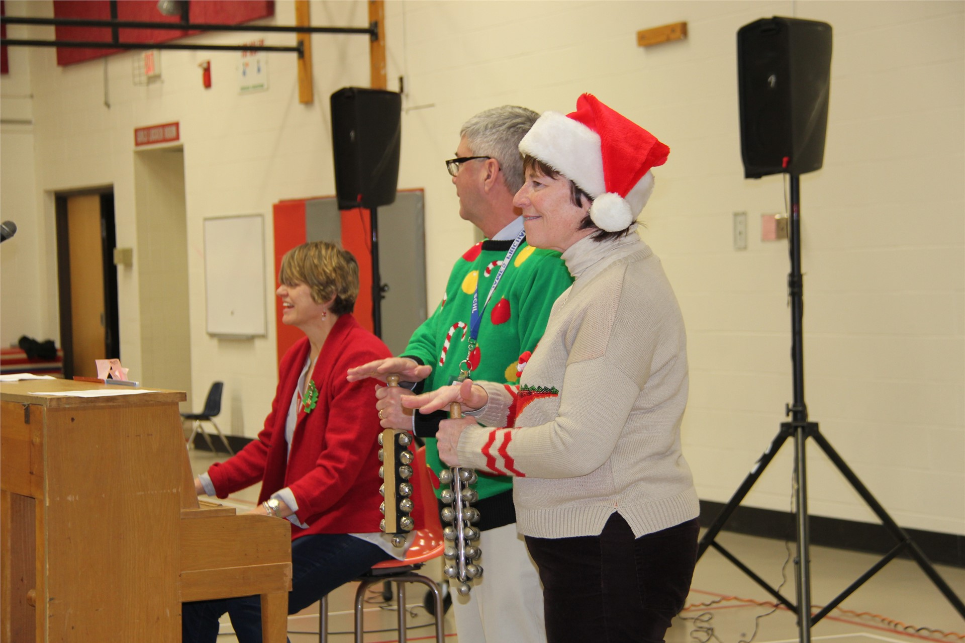 Holiday Sing Along 87