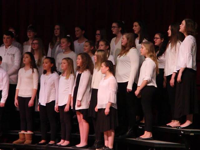 additional students singing