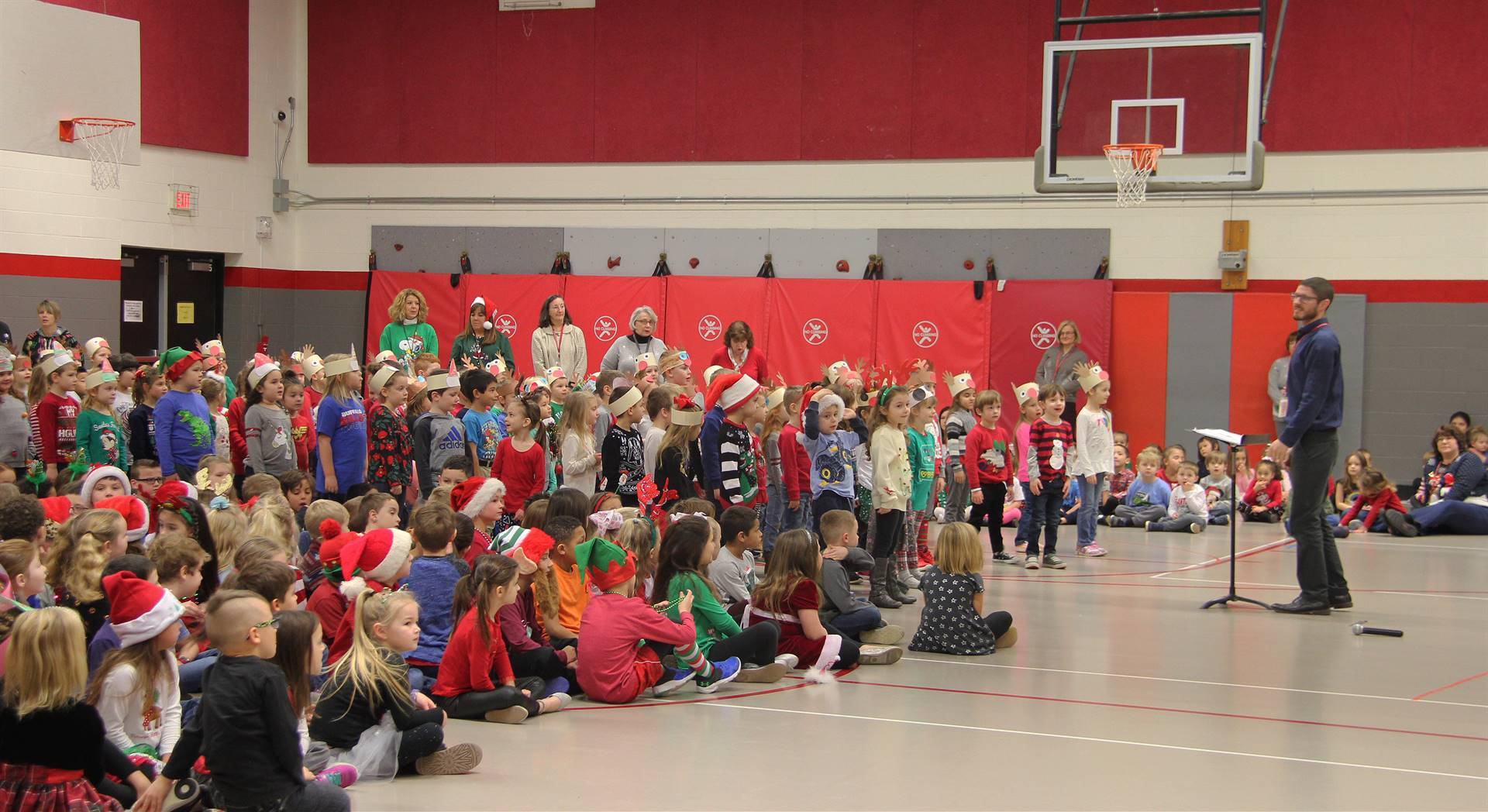 students at port dickinson holiday sing along