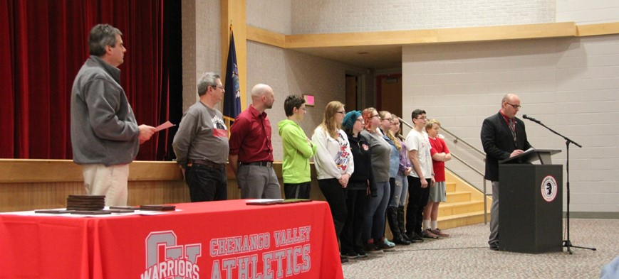 students recognized at winter sports awards