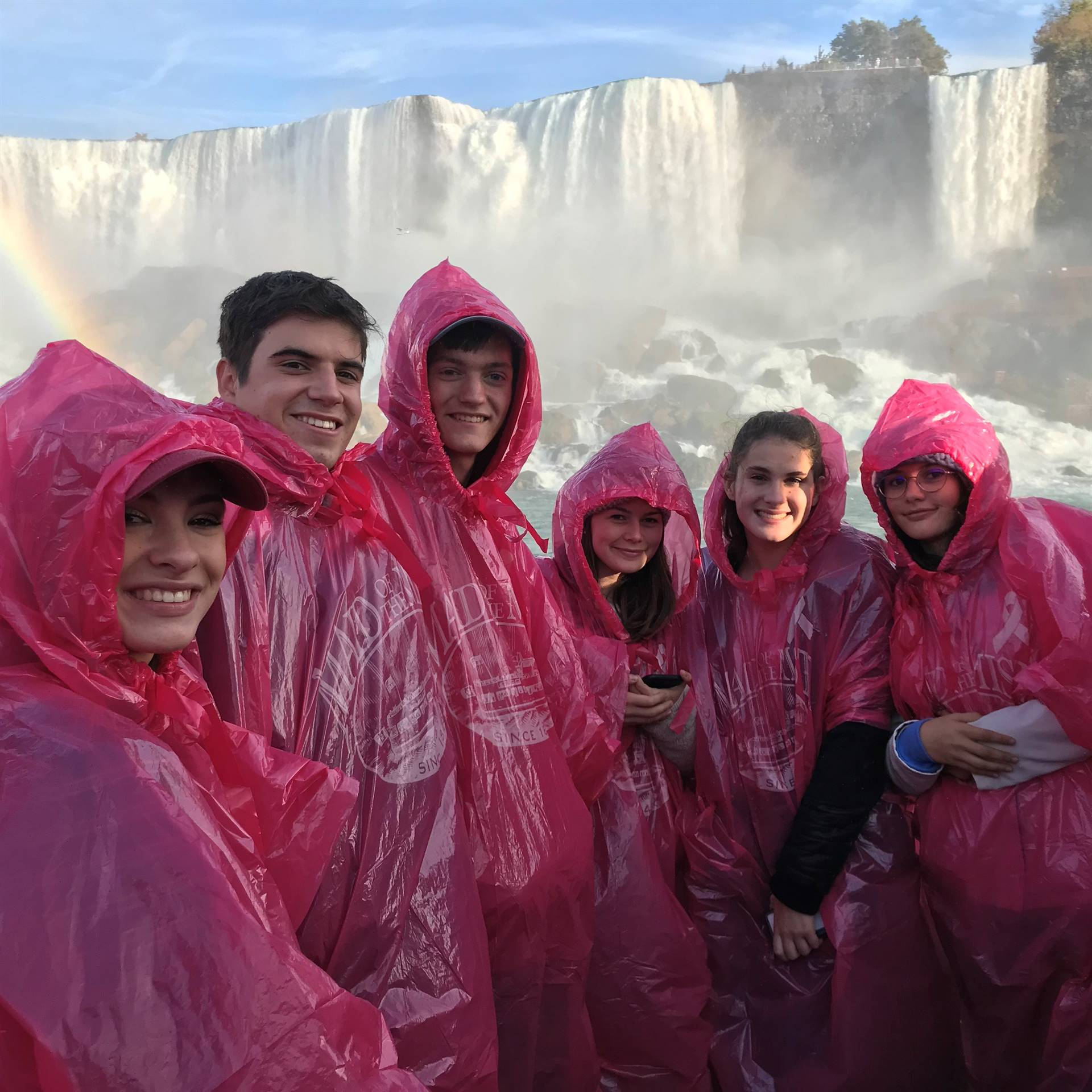 students on niagra falls maid of the mist