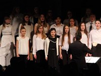 students singing in chenango valley warriors for peace concert 4