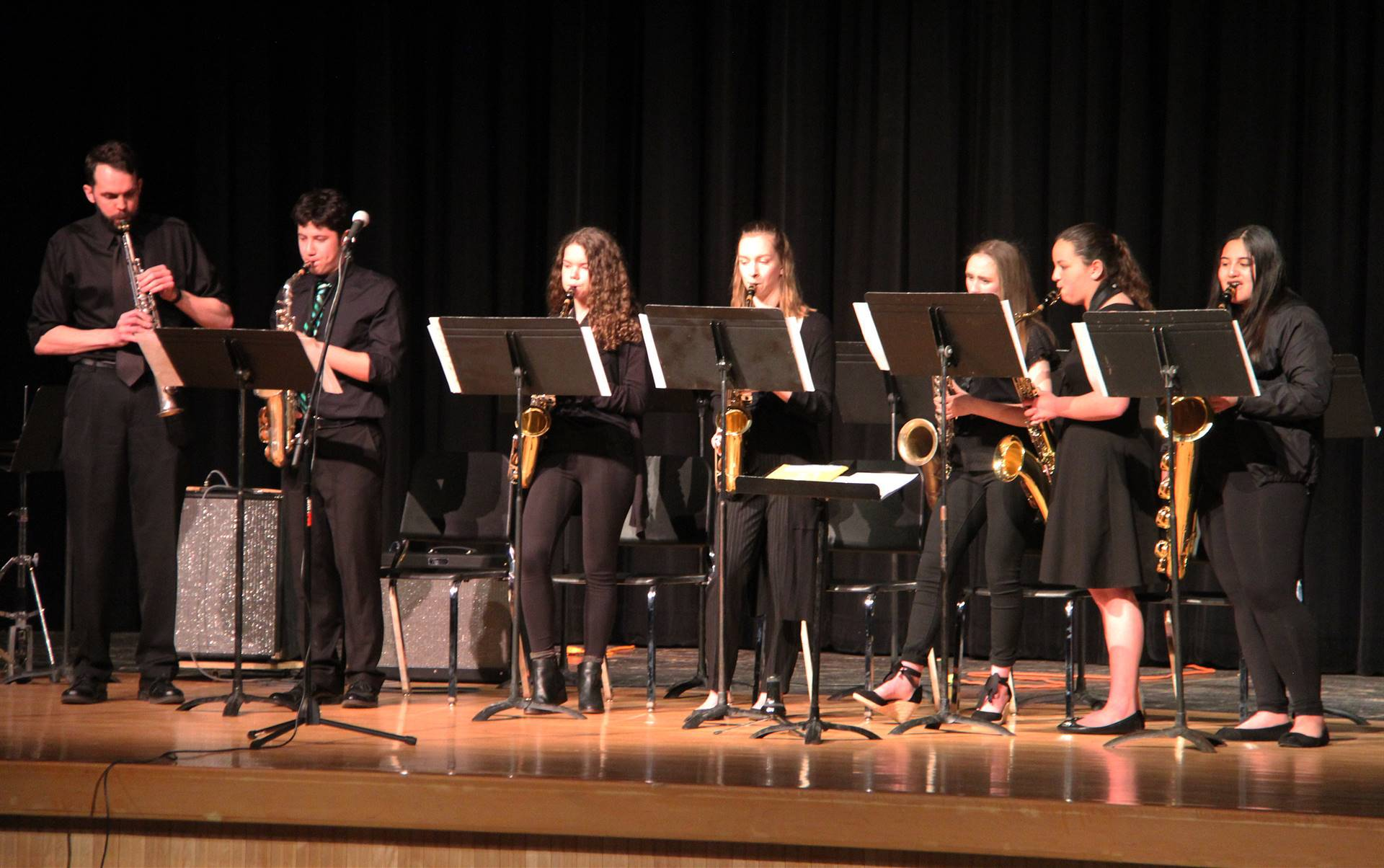 Students performing in Pops Concert 8