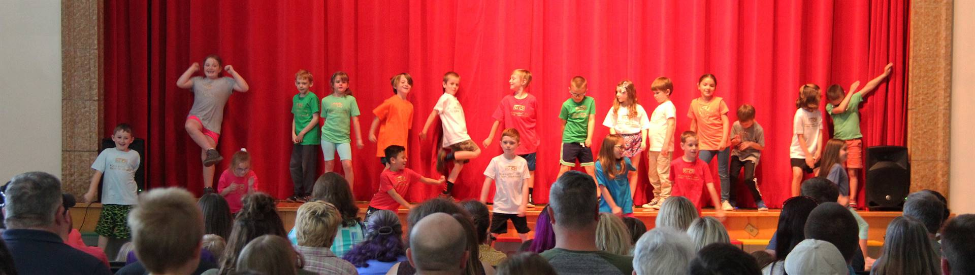 students singing in first grade show 5
