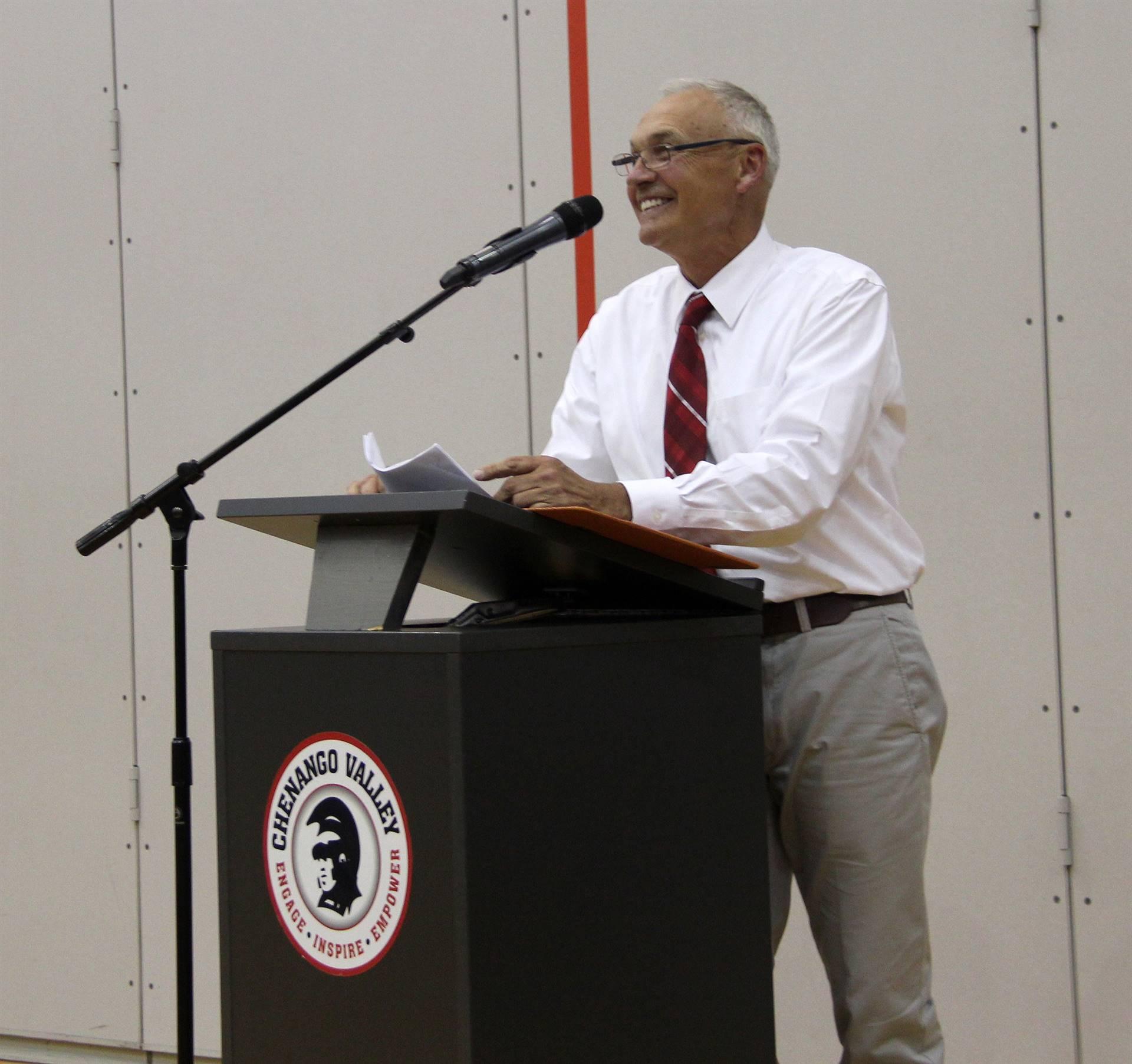 mister zanot giving speech