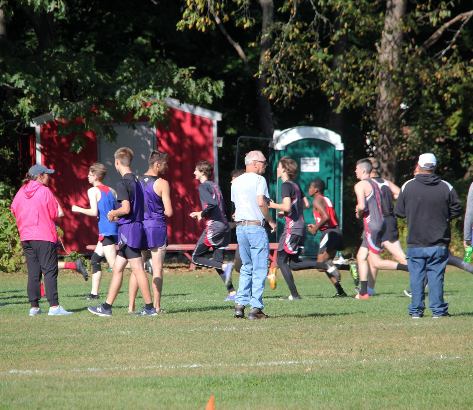 people watching runners