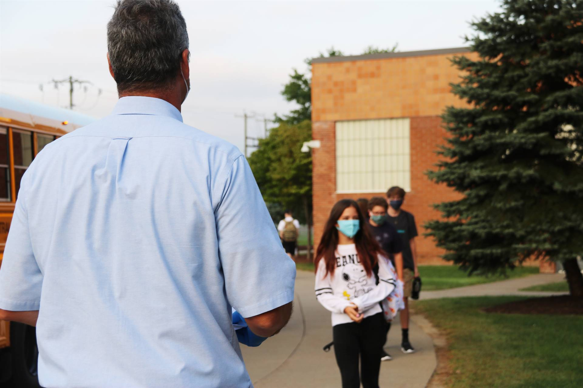 students returning to Chenango Valley Middle School 5