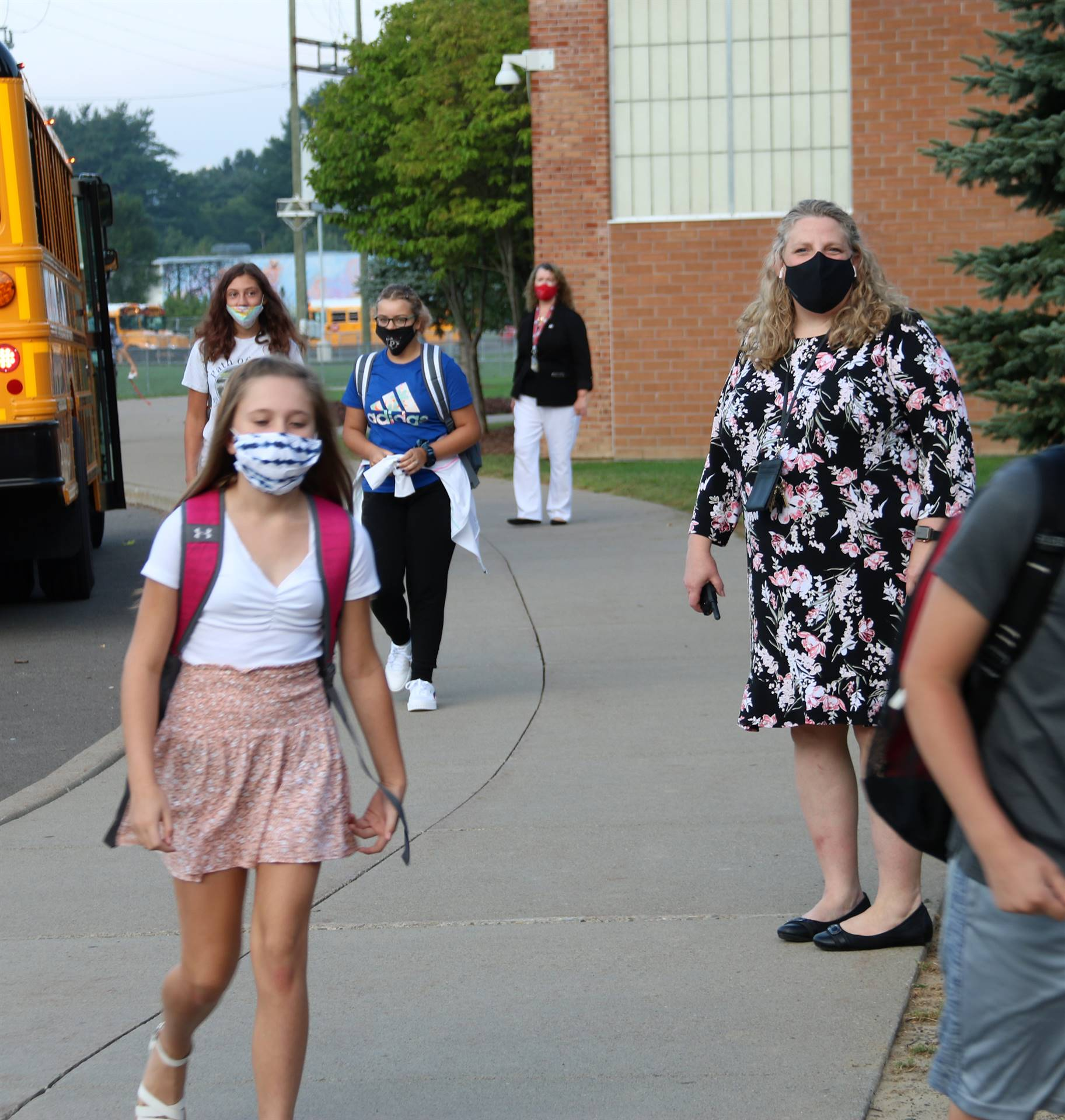 students returning to Chenango Valley Middle School 1